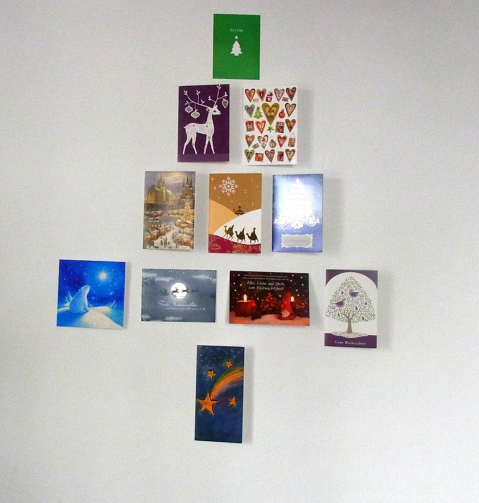 Weihnachtskarten als Wandschmuck