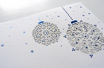 Weihnachtsbrief mit per Laser filigran ausgeschnittenen Weihnachtselementen